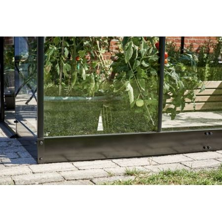 Royal Well Fundering Qube 106, zwart gecoat